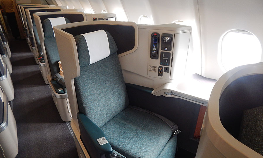 Best US domestic business class airlines