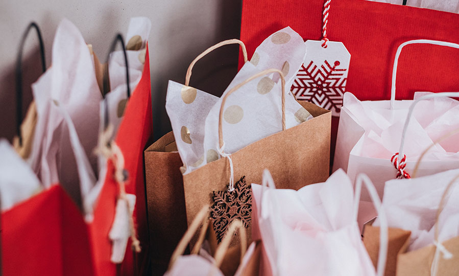 9 Christmas shopping tips for people who are on a budget