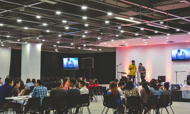 How to host a business event (a comprehensive guide)