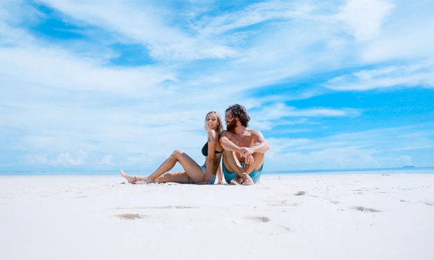 What to pack for a romantic beach getaway