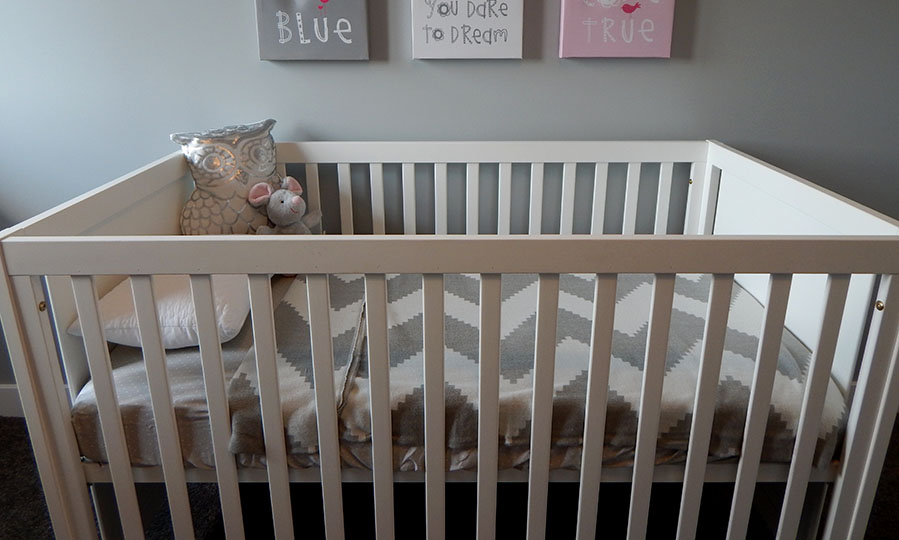 How to pick a crib mattress for your baby