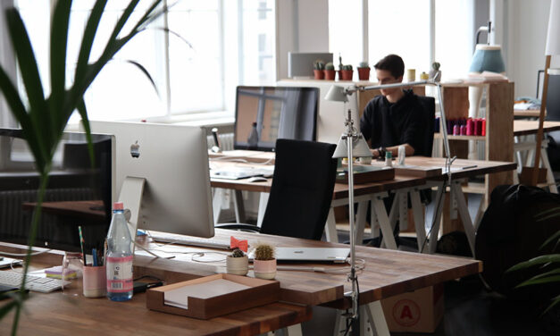 How to stay organized at work: 5 reasons to keep track of paychecks