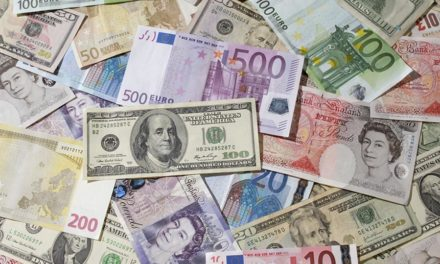 How to exchange currency abroad the right way
