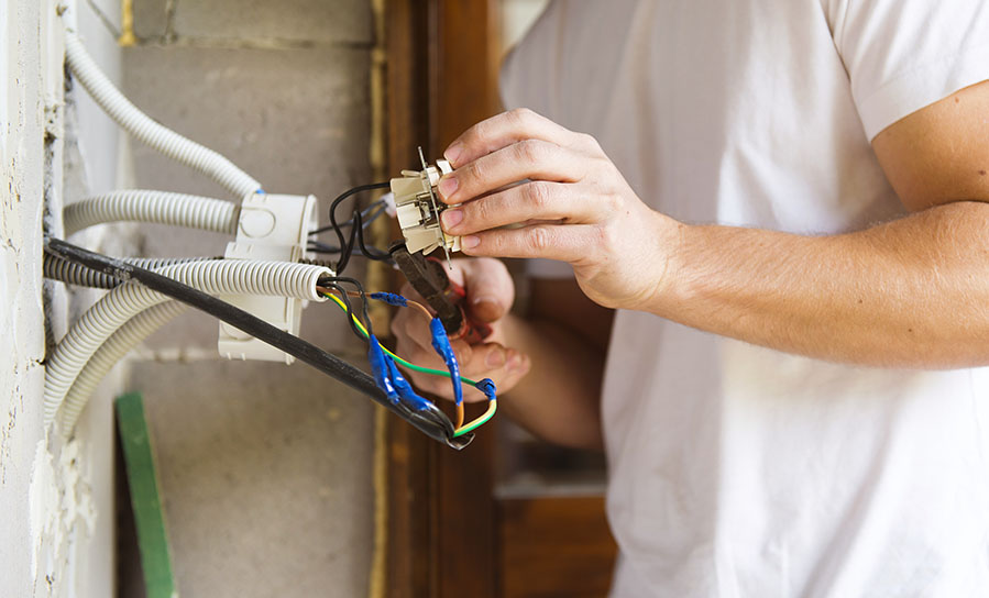 Find the best electrician using our tips