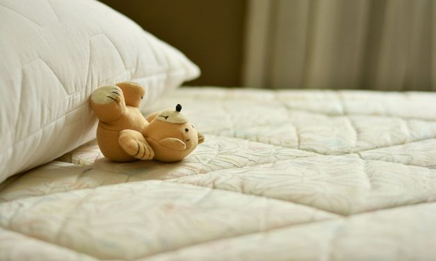 Reasons to choose a firm mattress for boosting health & happiness