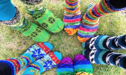 Keep your feet warm this winter with fleece line wool socks