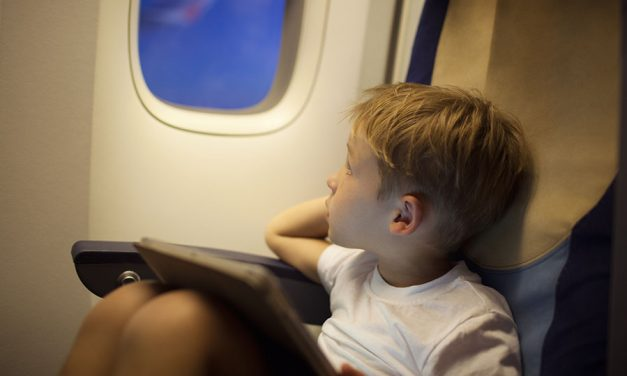 Make your flight with kids smooth and entertaining