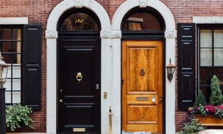 Front door decor that gives homes that wow factor