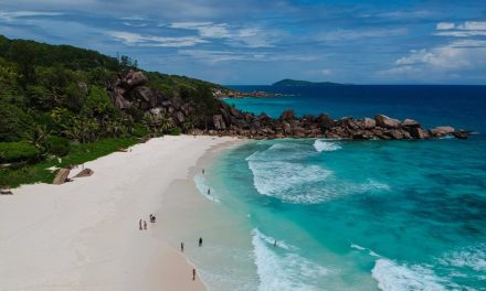 The ultimate guide to enjoy the best time in Seychelles while being on a budget