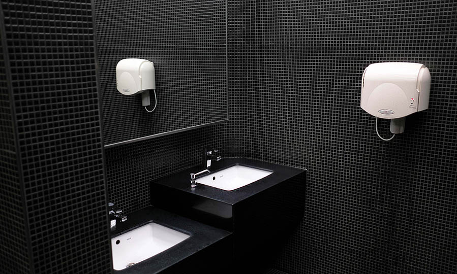 Choosing the best hand dryer for your restroom