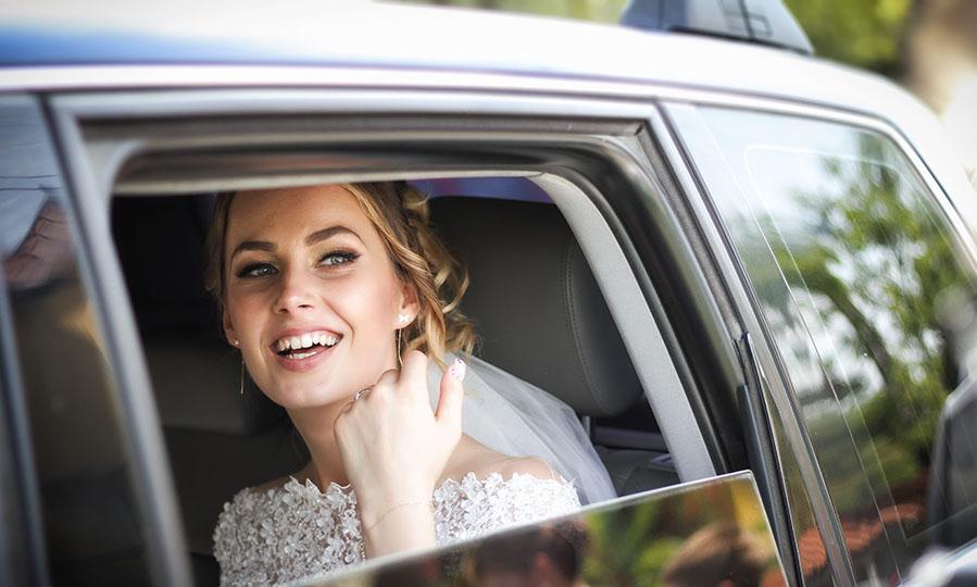 5 tips for managing wedding transportation logistics