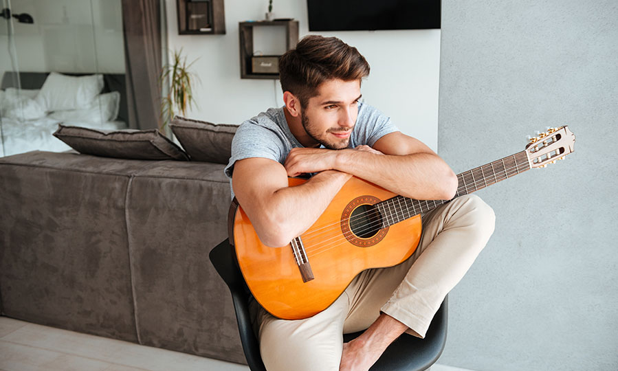Learn to play the guitar – Success depends on how well you prepare yourself