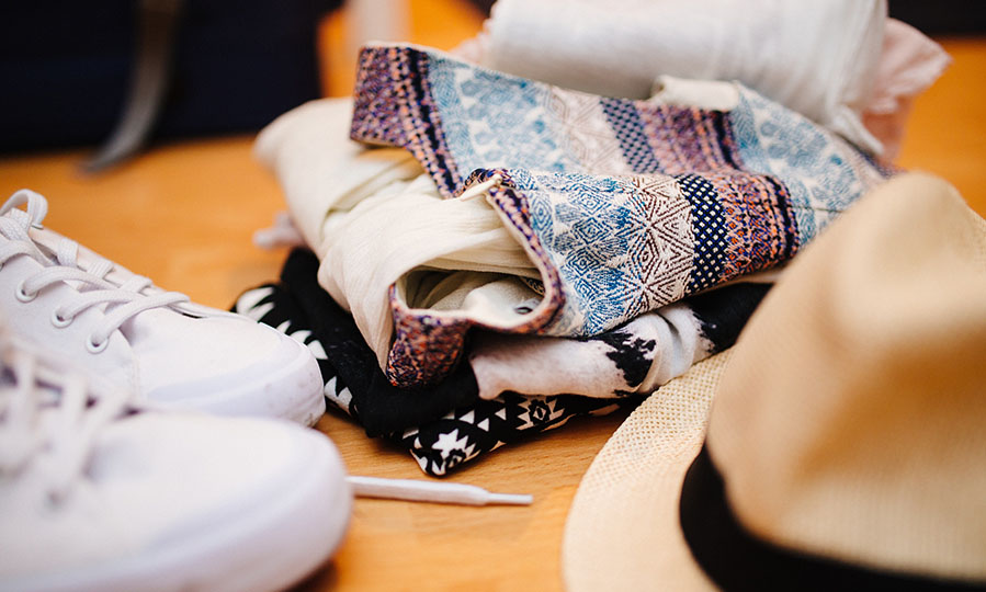 6 easy tips on how to earn money with your old clothes