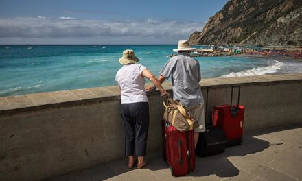 4 tips for traveling with hearing loss