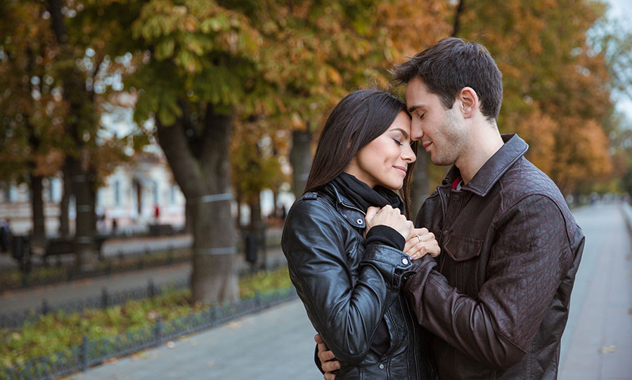 Online Dating – 10 steps to explore an exceptional man