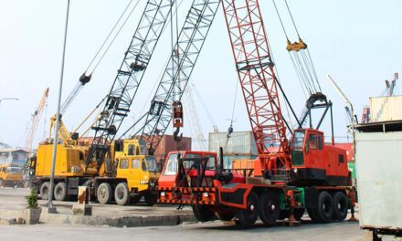 Different types of cranes used in construction works