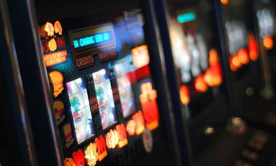 When should you use max bet in slots games?
