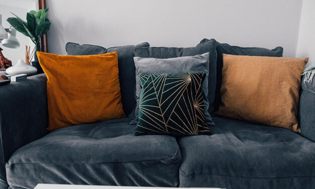 How to use pillows in the decor?