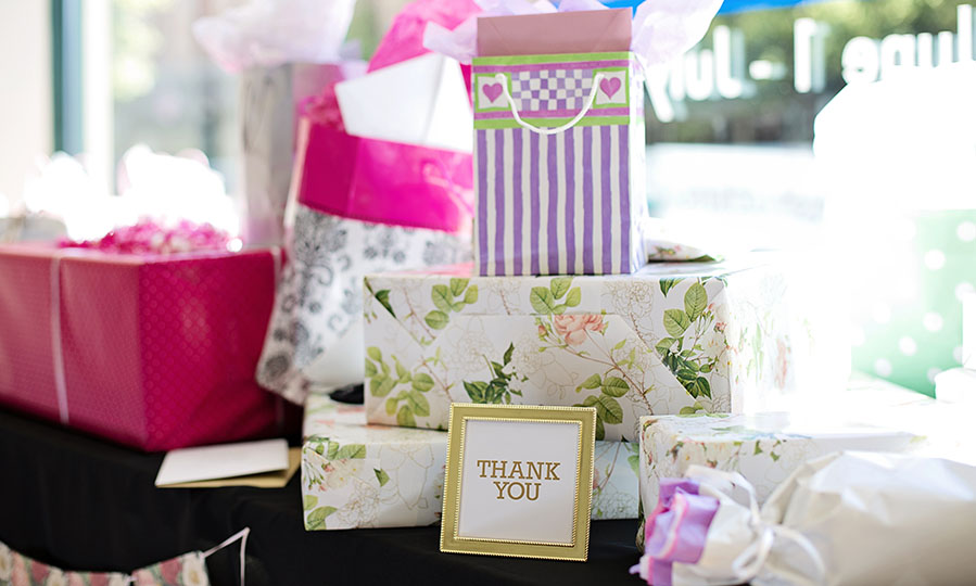 Traditional wedding? Buy a traditional gift: 7 great ideas