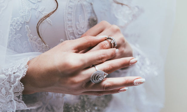 The ultimate beginners guide to buying an engagement ring