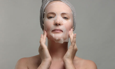 How to wear a cosmetic face mask properly