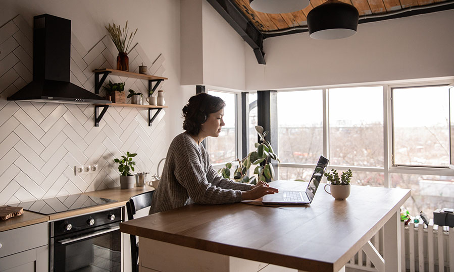 Working at home: do more, worry less with solar energy